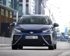 Da Bruxelles a Napoli con auto a idrogeno, sfida ecomobilità