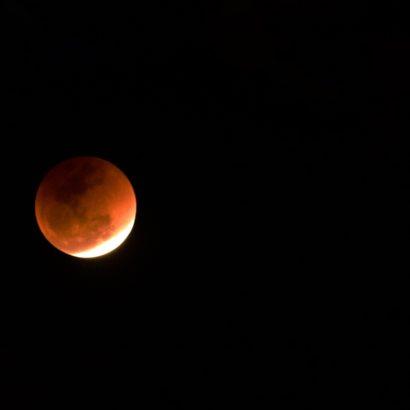 Eclissi lunare 2018: la più lunga del secolo